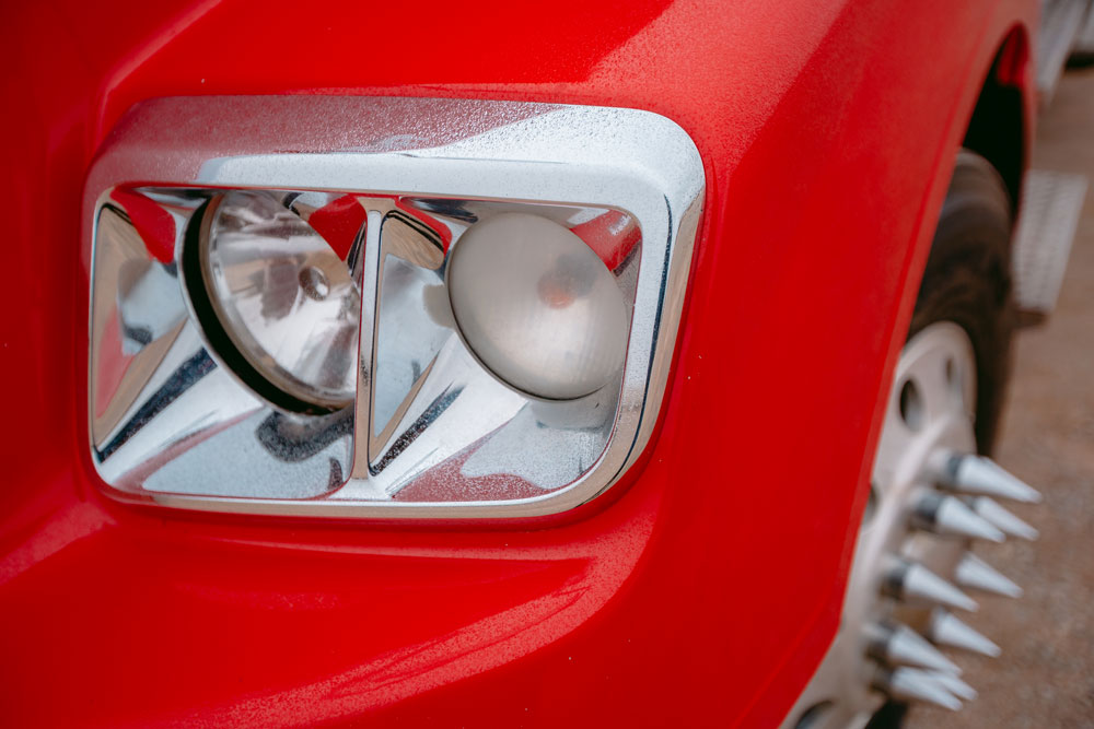 StevensTrucking-headlight_1000_IMG_1539-web-res.jpg