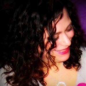 Caroline Perez.png