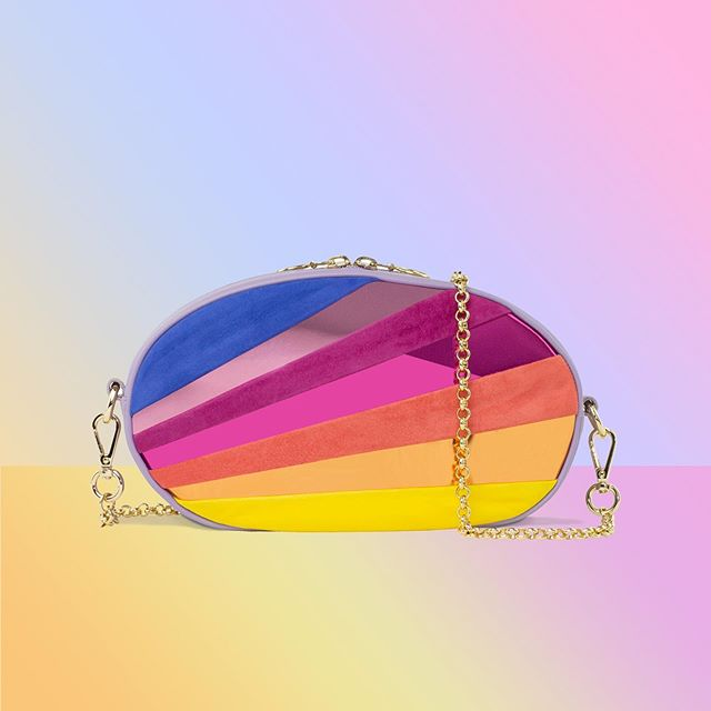 💗💛💜 The perfect day to night cross body and clutch bag all in one 🌈 Shop the Sunset Clutch on 👉🏽 www.gemmaroe.co.uk @gemmaroeboutiques 💥 Add a personal touch with our lucky charms exclusively on our online boutique 🔗 Choose from #BirdofParadise #Dragonfly #Lily #Orchid and #Hummingbird 🌸🕊 #NewCollection #SunsetClutch #IslandDreams #MadeInItaly #GemmaRoe #GemmaRoeBags . . . #shop #luxury #fashion #fashiontravel #handbag #sunsets #clutchbags #italy #handbags #bag #handmade #style #vogue #elle #bossbabe #girlboss #daytonight #luckycharm #rainbow