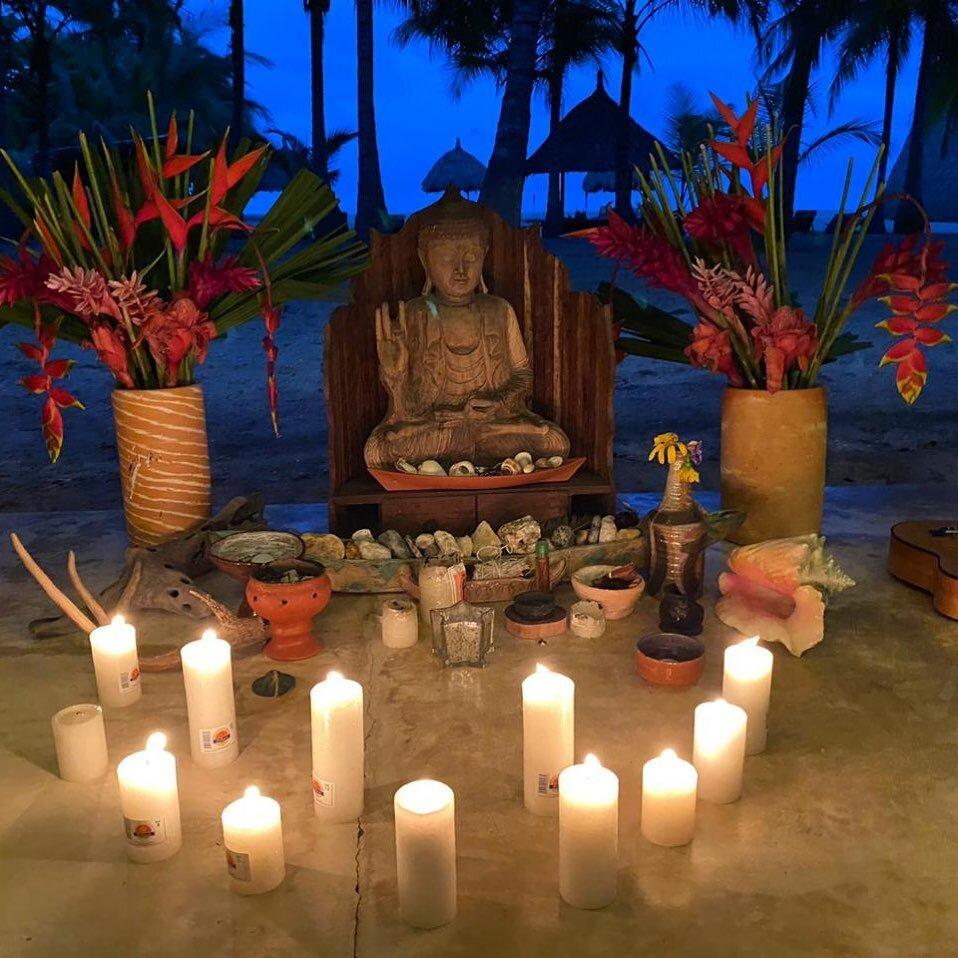 Les deseamos mucha luz, paz, felicidad, salud y abundancia a todos en el de hoy y siempre. Feliz Día de las Velitas Colombia ✨ con mucho amor desde @gitanadelmarbeachresort