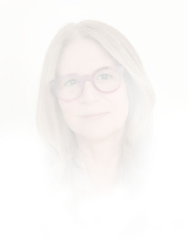 Alexandra Penney   Ann Tenenbaum , 2018  Archival pigment print paper 24 x 35 inches  61 x 88.9 cm