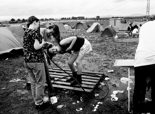 Féile _91 @ Wally Cassidy 23 (B+W hose campsite).jpg