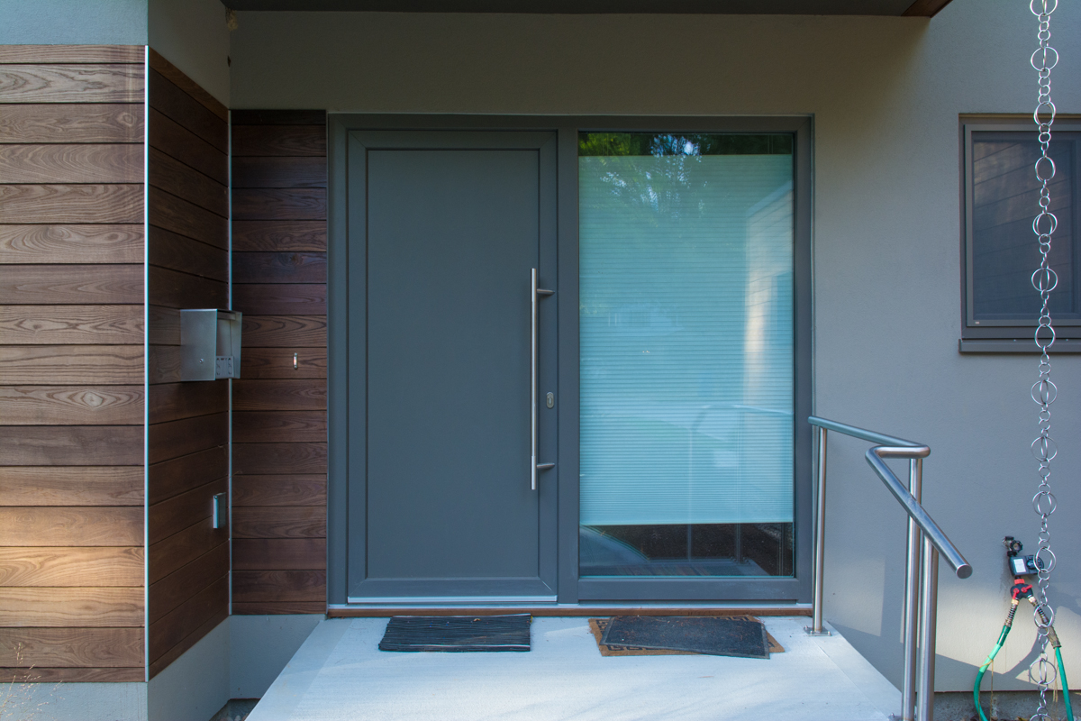 Entry to home with Unilux door