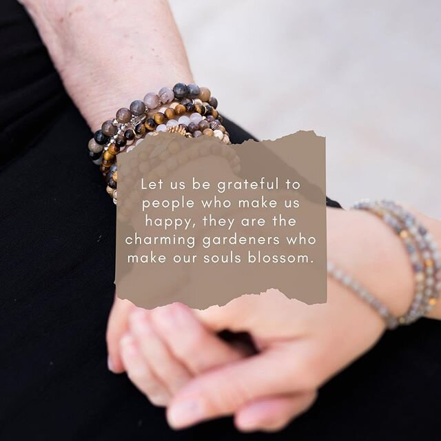         #beadamoment #liveyourbestlife #family #familytime #covid_19 #connectwothfamily #yogainspired #jewelerywithintention #jewelrywithmeaning