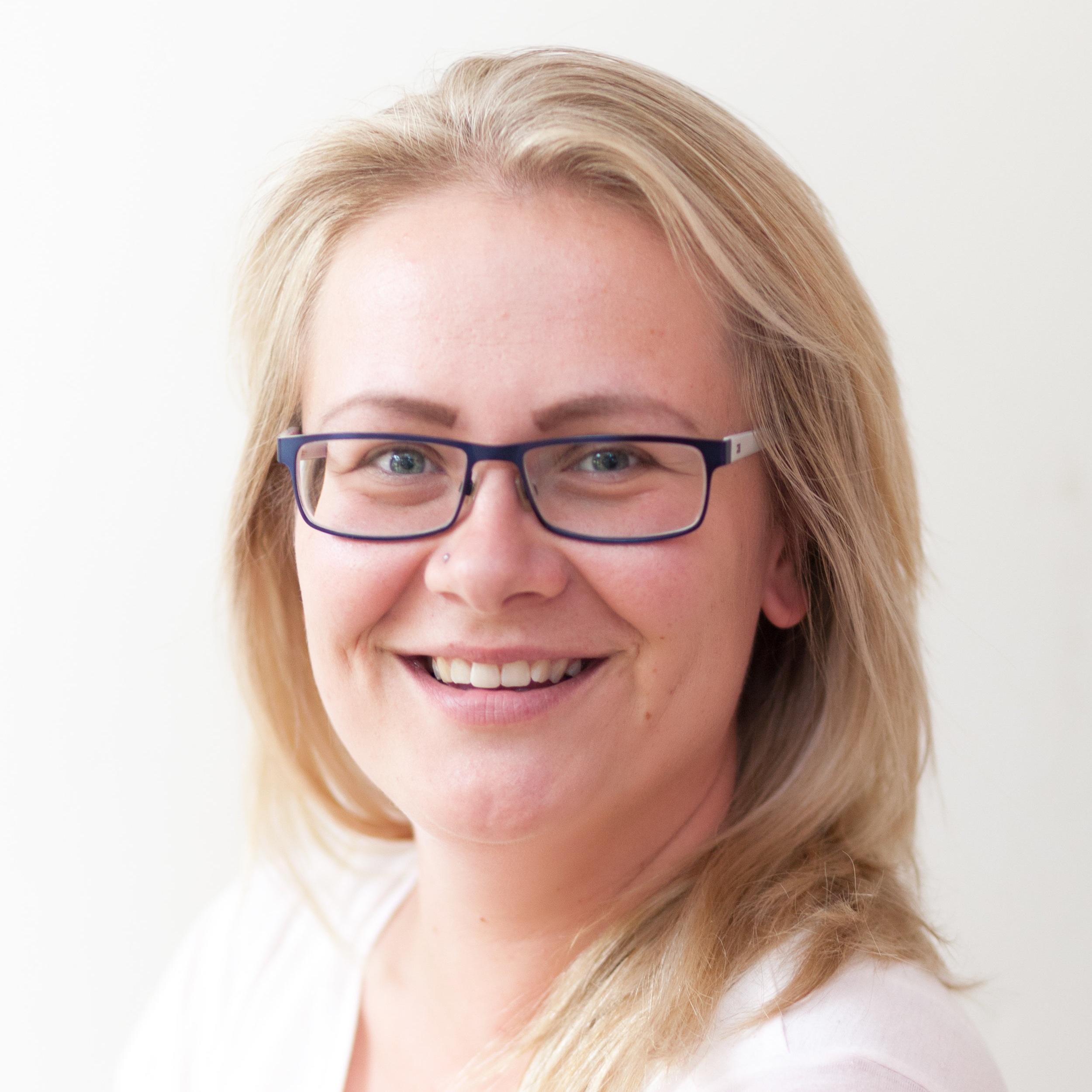 Marta Korn - Assistant Manager |