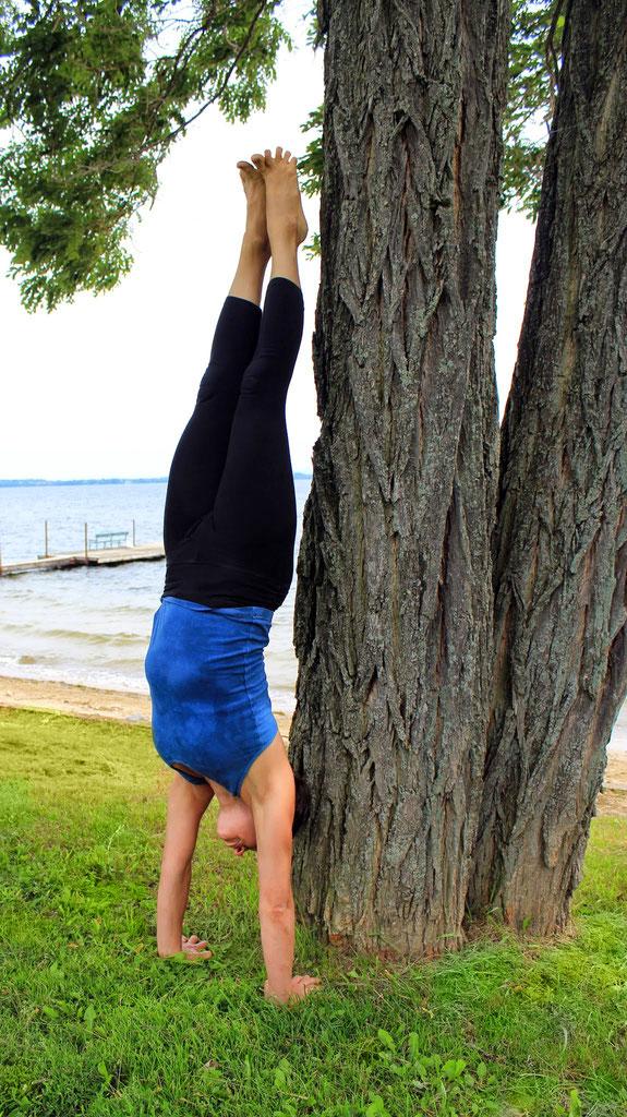 shayna-handstand.jpg
