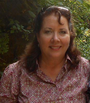 Annette Simon - headshot