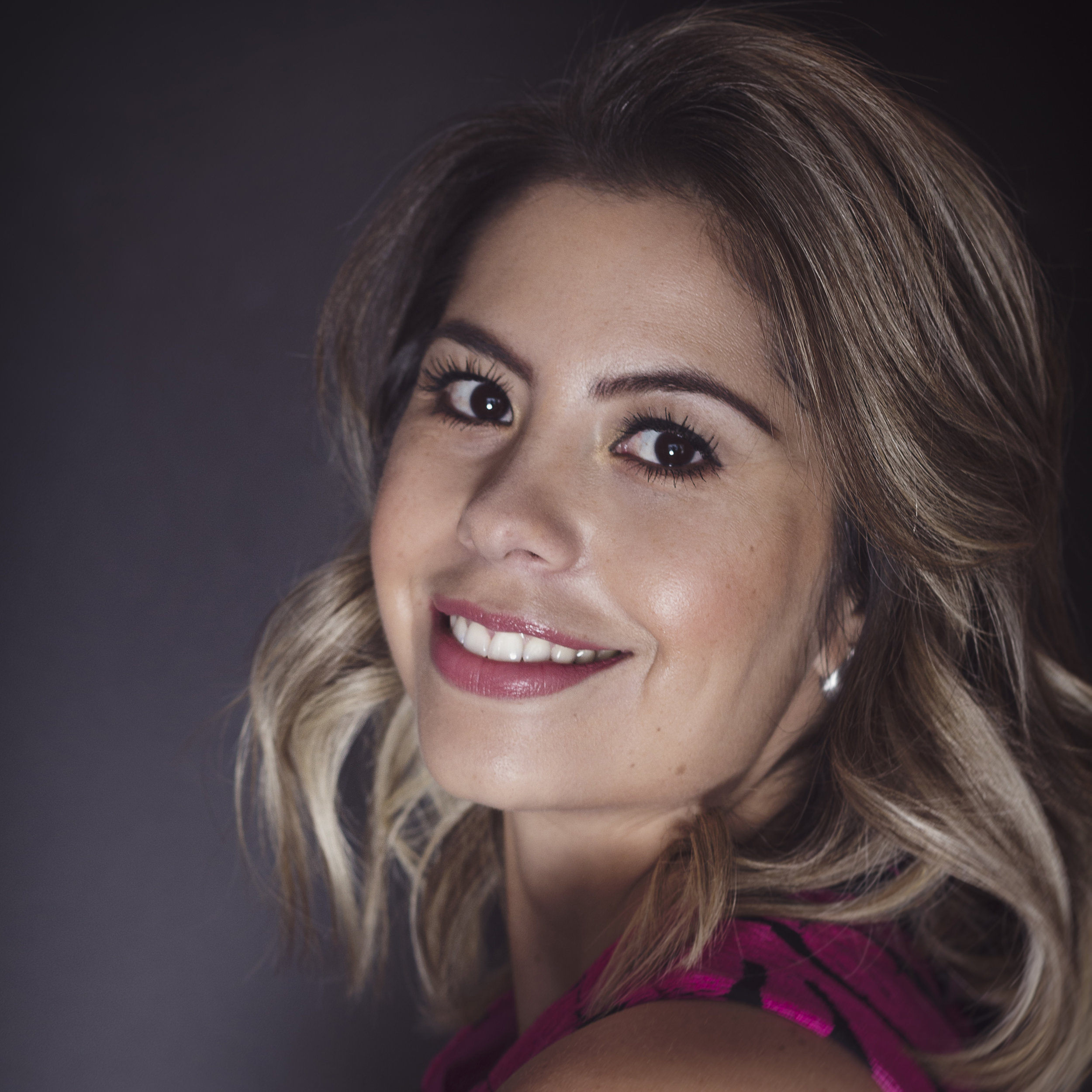 PAULA ABREU   Experta en bodas, creadora del concepto coaching con chispa y corazón, posicionó a Puebla como ciudad de bodas destino.