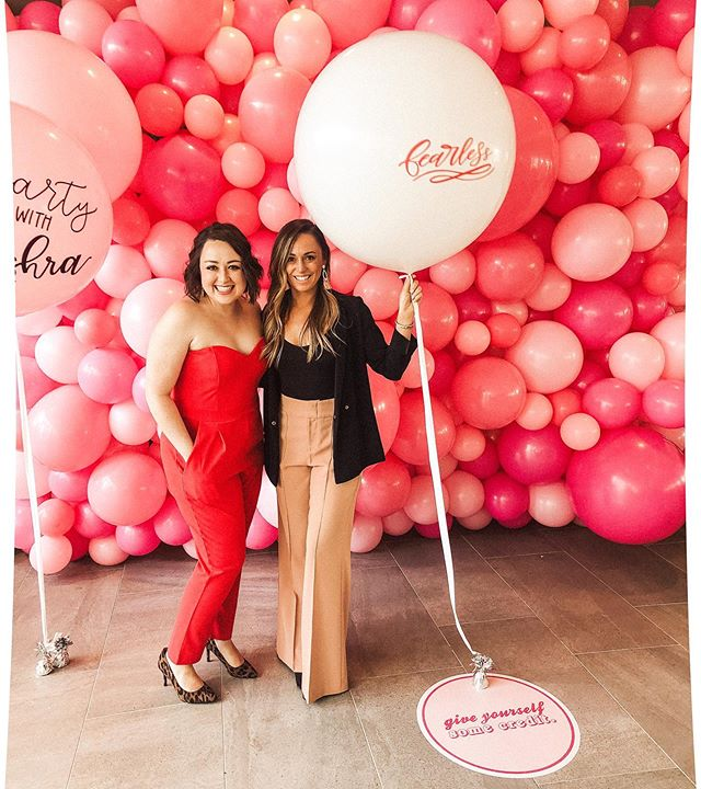 "Thank you @asmithbeauty & @dallasgirlgang for inviting us to be a part of @thefearlesscon 💕🙌🏼 What an amazing accomplishment & beautiful gathering of like minded women. Jen had a blast moderating the first panel of the event, full of ""solo-preneurs"" (one woman show). Check out episode 018 to learn more about this organization from its fearless leader Amanda! 🎙💜"