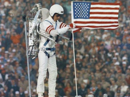 Jetpack pilot William P. Suitor at Super Bowl XIX (1985, Associated Press)