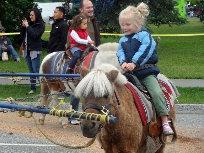 pony-rides2.jpg