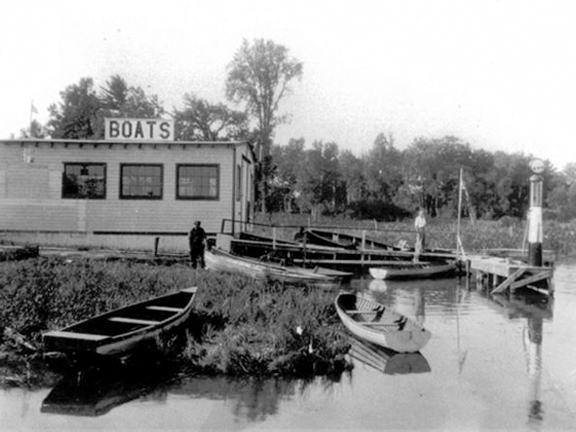 A growing demand for more boats - By the mid-50s, Fred and his sons realized that there was a growing demand for more boats than they could build. And so, F.S. Crate and Sons became a Chris Craft dealer, which grew into the largest Chris Craft dealership in Canada. In 1964, Lloyd Crate took over the helm of F.S. Crate and Sons and renamed the family business Crate Marine Sales Limited.Crate Marine Sales enjoyed some 30 years of success as one of Carver's largest dealers worldwide. The purchase of neighbouring Dawson's Marina more than doubled the acreage of the operation and expanded dockage to more than 500 slips.