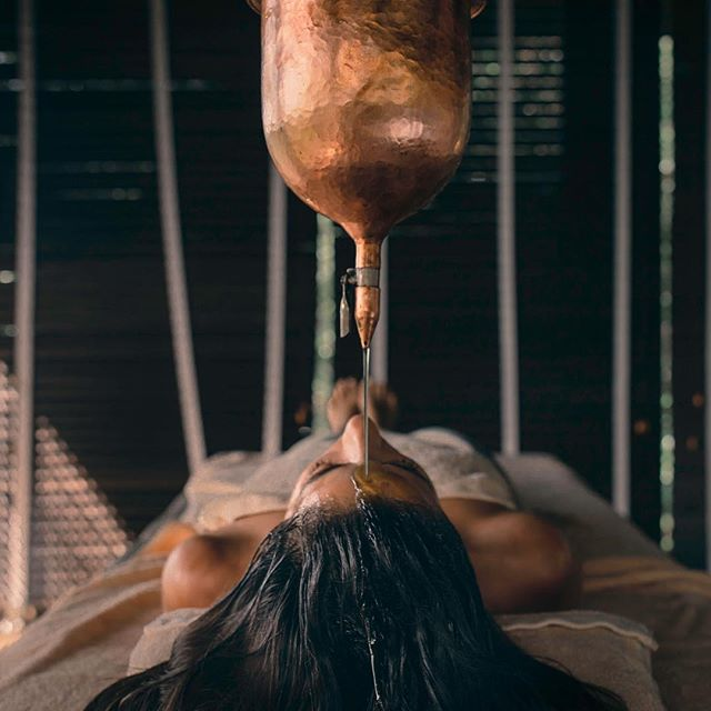 New podcast is live today with @umaoils founder, Shrankhla Holecek, on Ayurveda, farming for royalty and the purity and potency of creating their prestige organic botanical oils 💧 - For hundreds of years her ancestors served as Ayurvedic physicians to Indian royalty, farming and concocting botanical formulas for the most discerning clients. These hundreds of years have fine tuned ancient formulas so secret that currently only 4 people in the world know them ✍️ . Tune in for Ayurvedic rituals, the science of botanicals and more on the incredible family history ✨ . . . . . .  #umaoils #ayurveda #ayurvedalifestyle #ayurvedicmedicine #vata #kapha #pitta #skincare #podcast #podcaster #organicskincare #organicbeauty #healthyskin #shirodhara #holistichealing #holisticbeauty