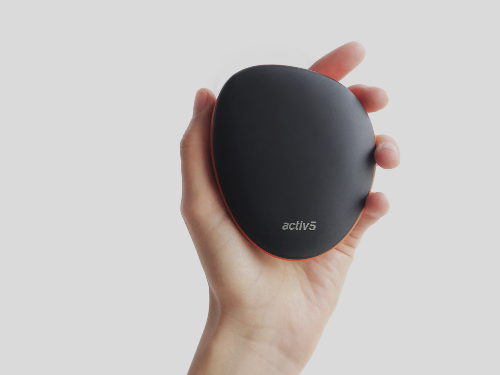 activ5-device-in-hand.jpg