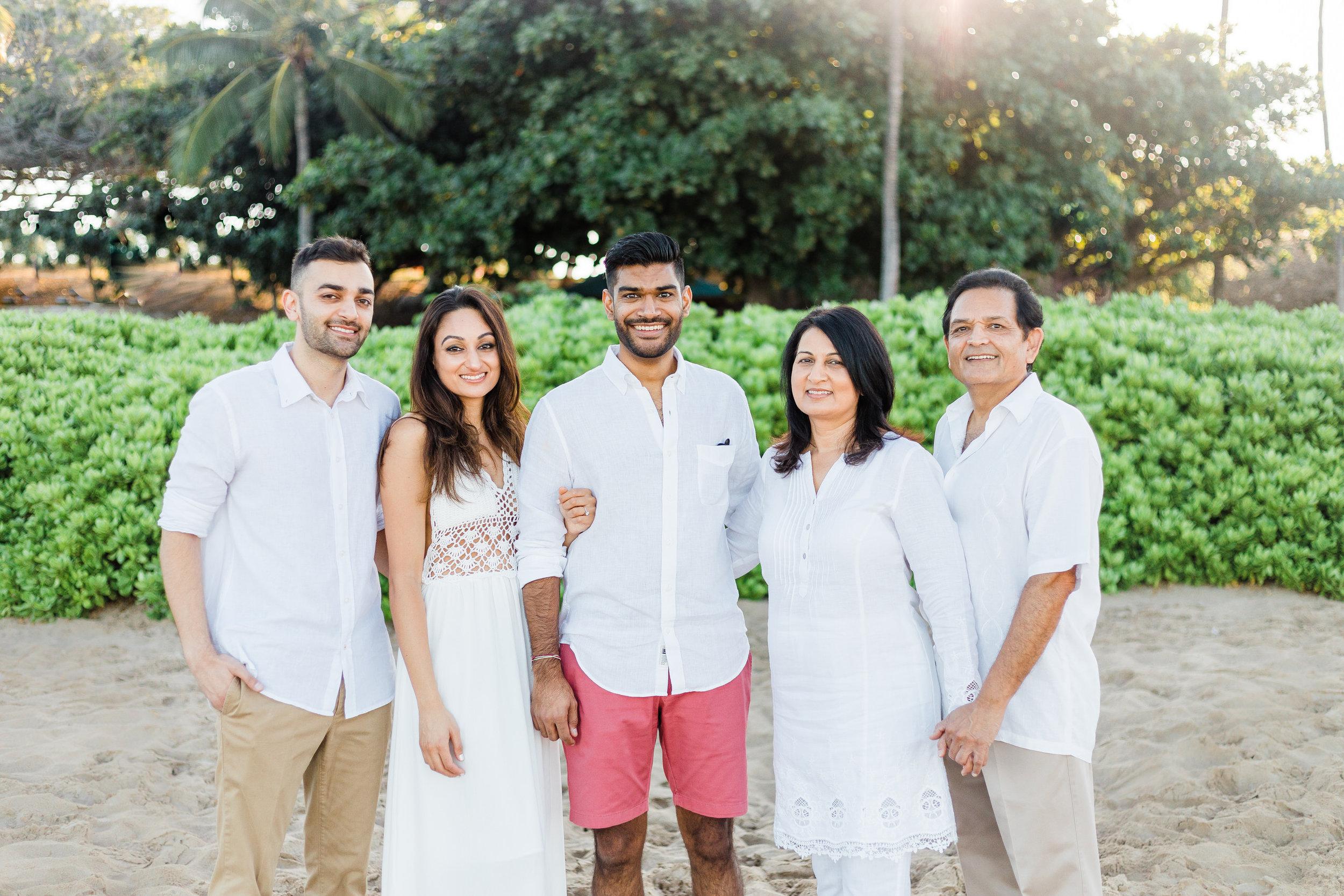 family-extended-sunrise-waikoloa-4.jpg