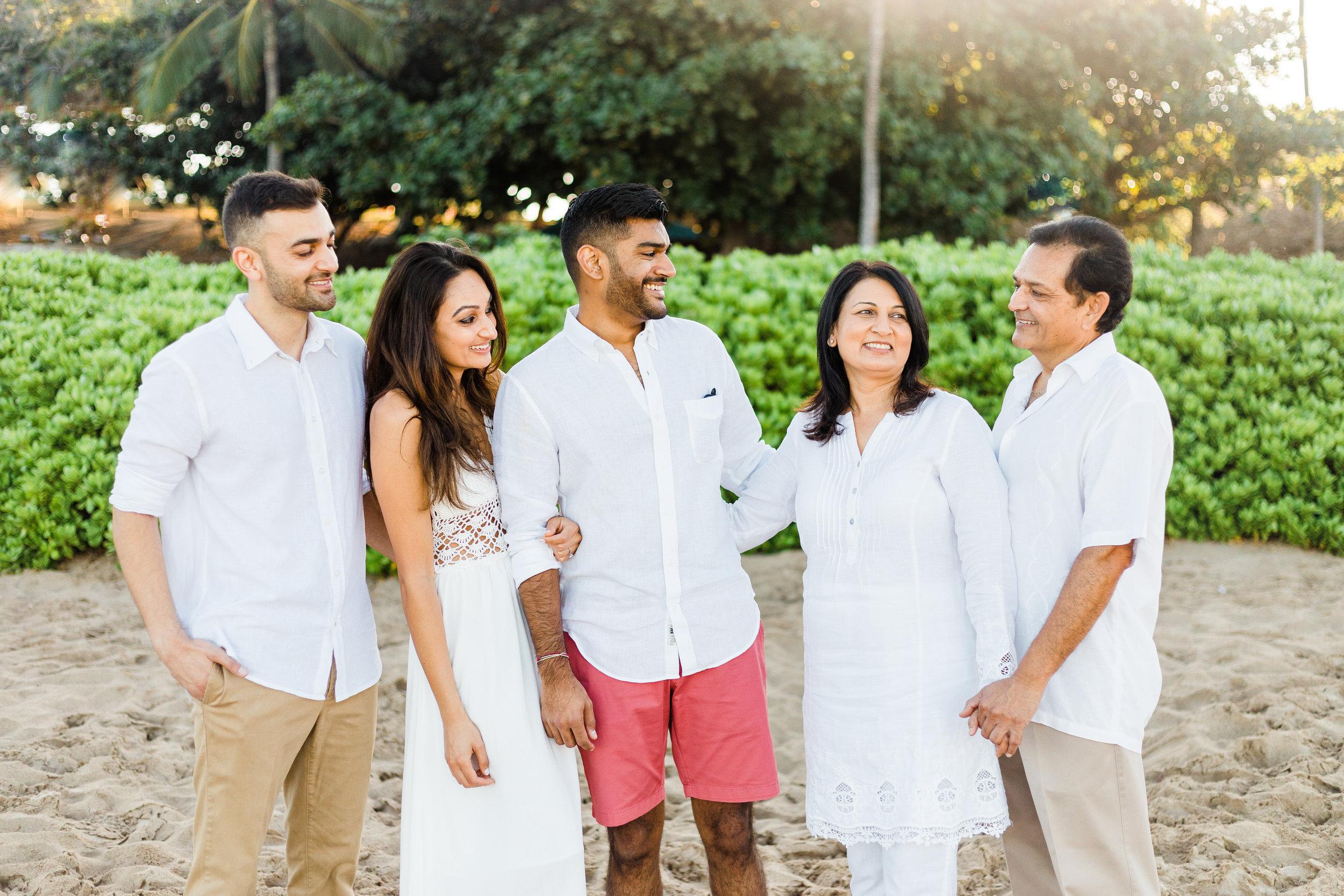 family-extended-sunrise-waikoloa-5.jpg