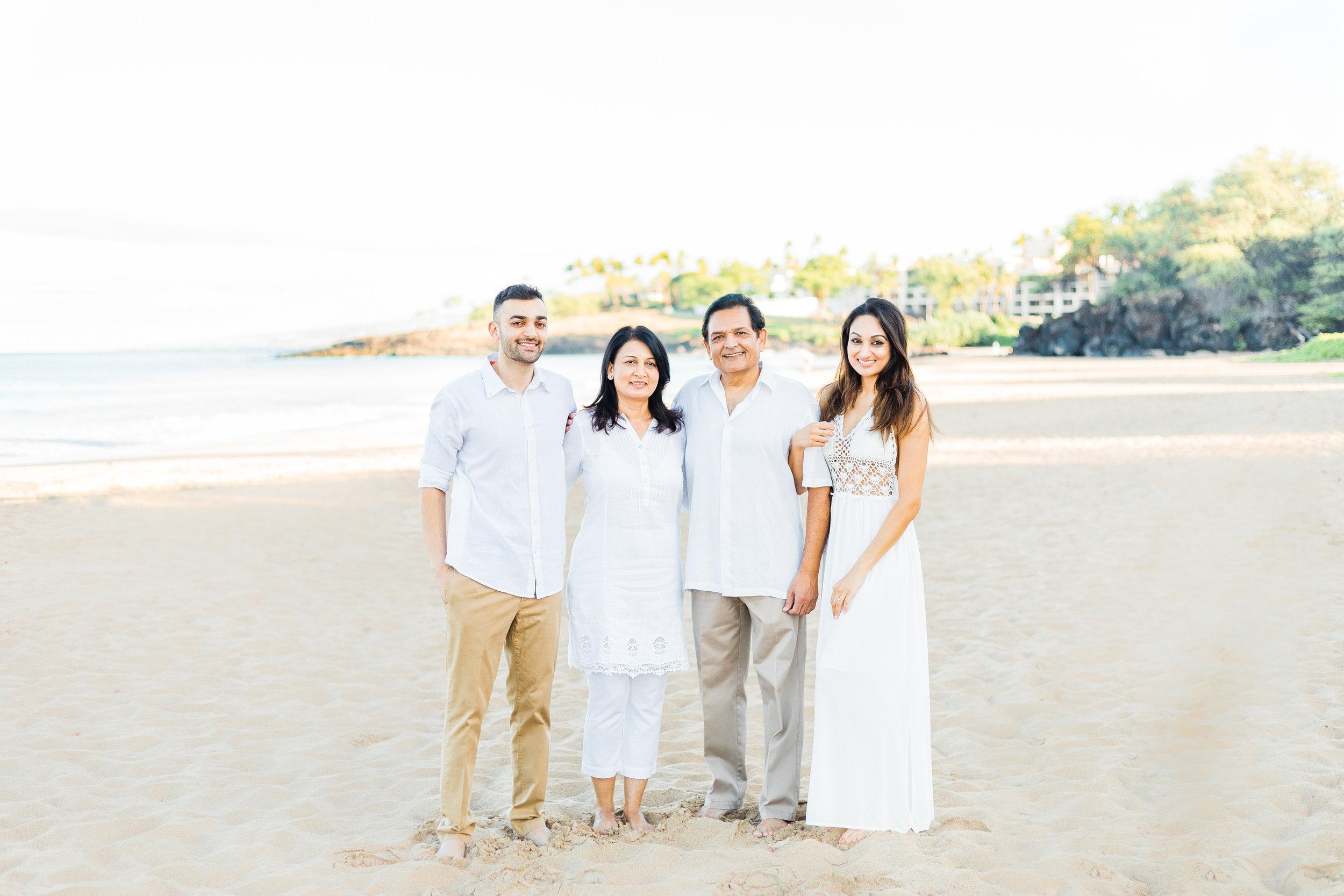 family-extended-sunrise-waikoloa-1.jpg