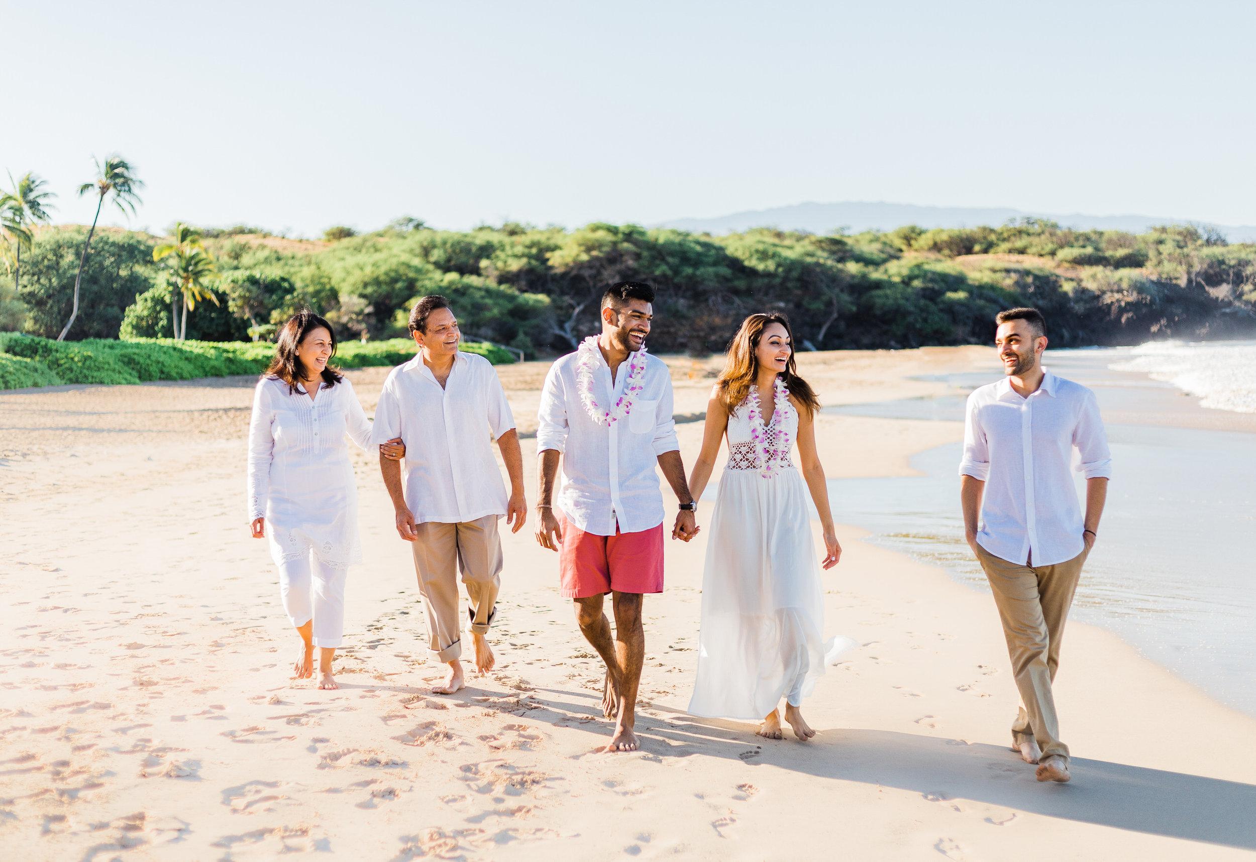 family-extended-sunrise-waikoloa-9.jpg