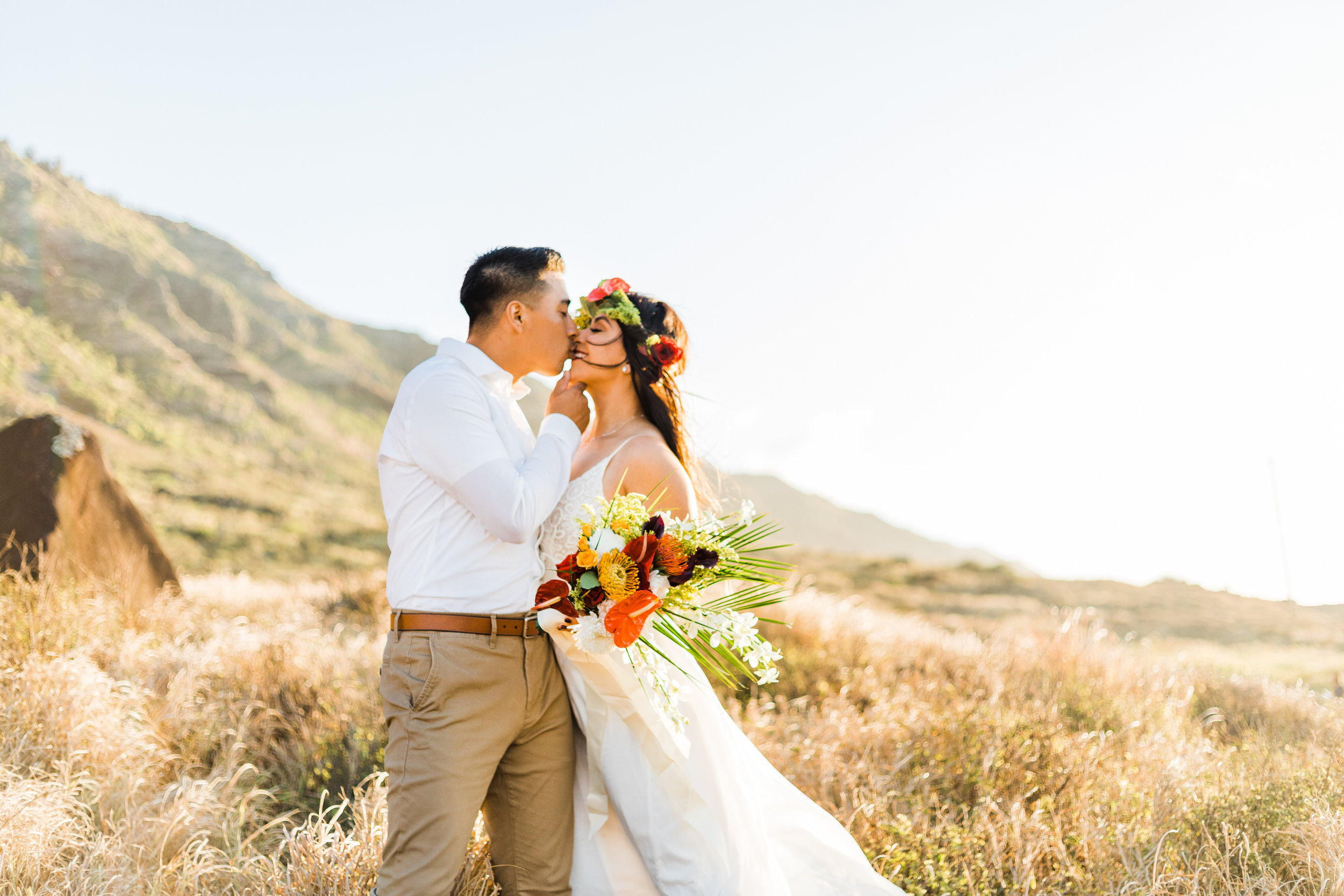 intimate-elopement-sunset-oahu-haku-9.jpg