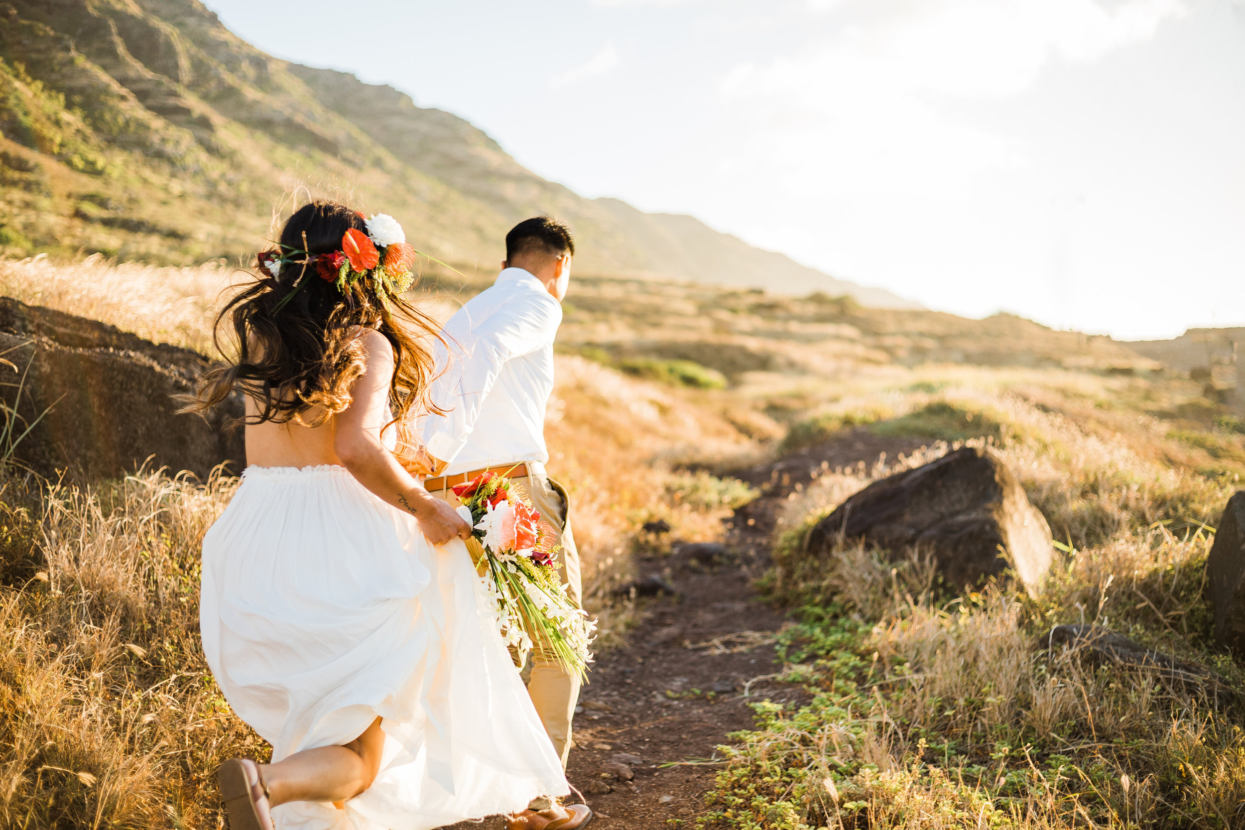 intimate-elopement-sunset-oahu-haku-11.jpg