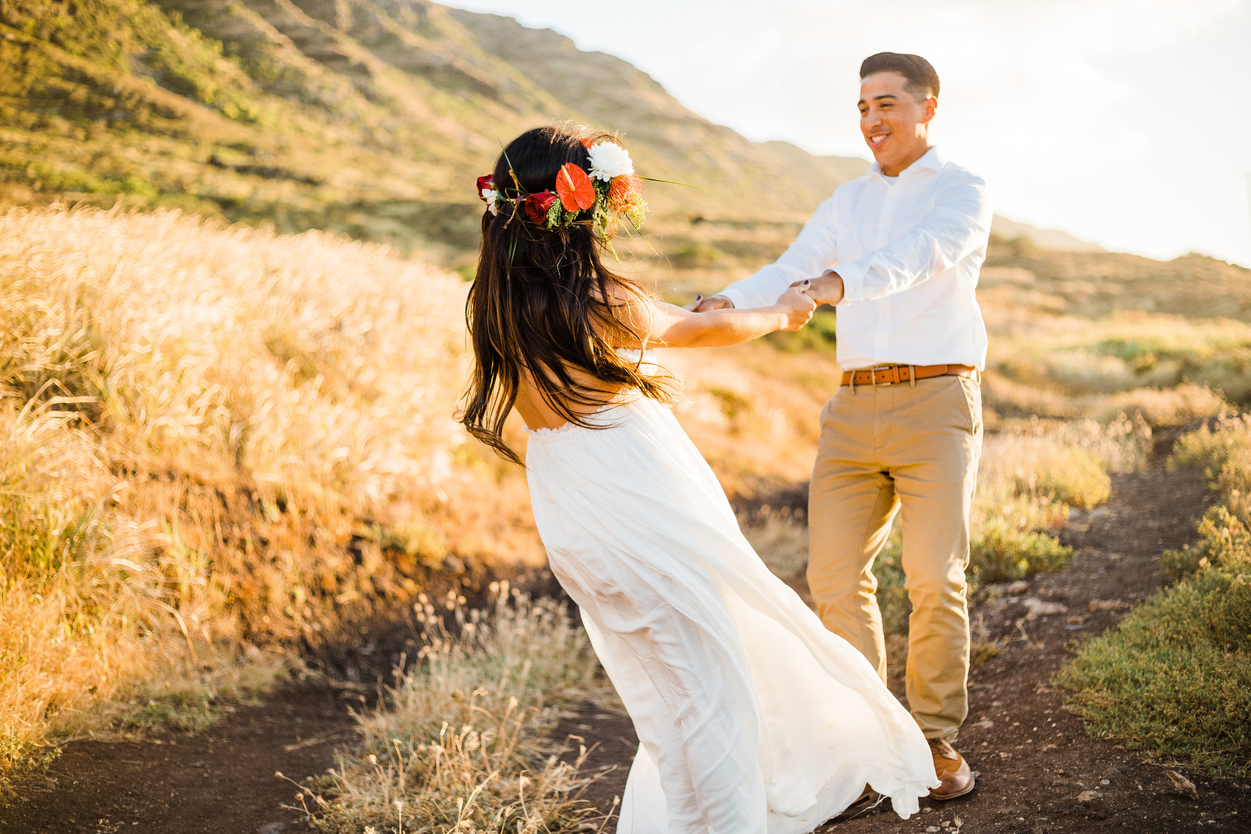 intimate-elopement-sunset-oahu-haku-14.jpg