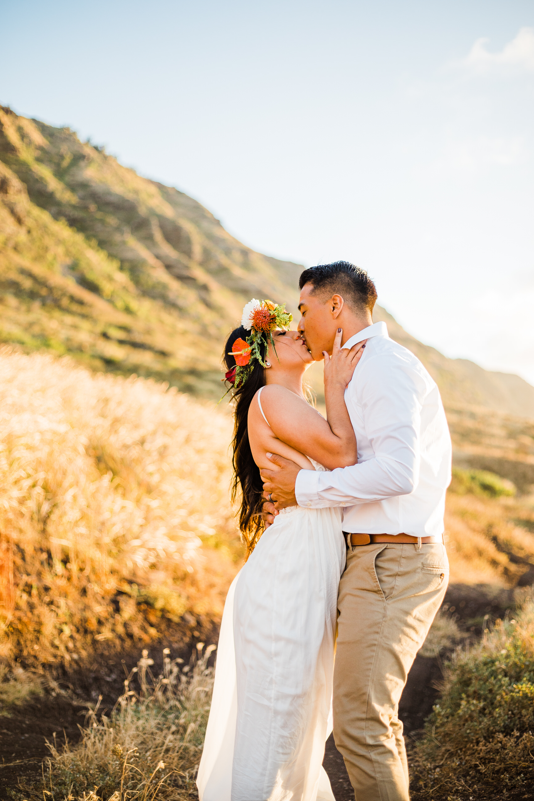 intimate-elopement-sunset-oahu-haku-16.jpg
