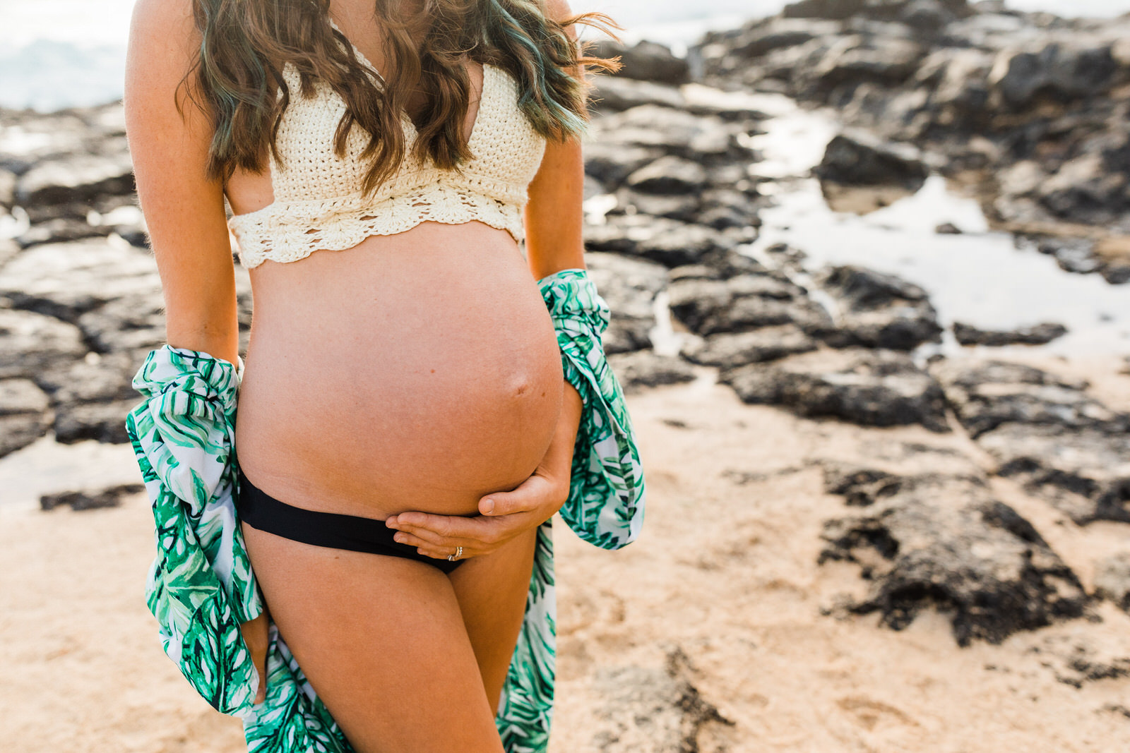 maternity-expecting-mom-oahu-photographer-12.jpg