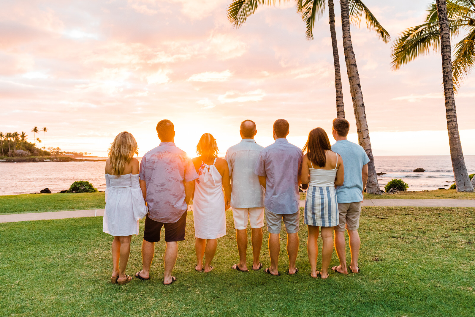 extended-family-vacation-waimea-sunset-17.jpg