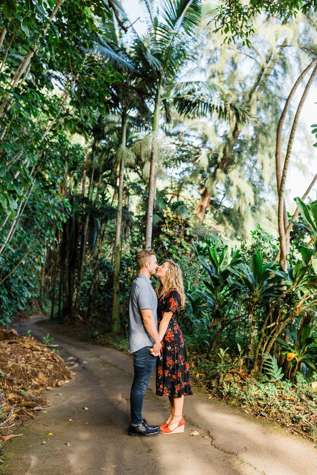 engagements-hilo-happy-couple-big-island-hawaii-16.jpg