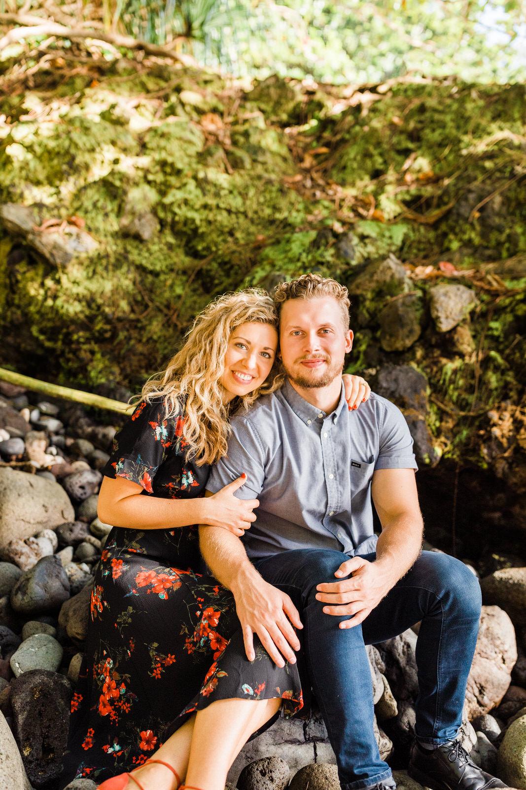 engagements-hilo-happy-couple-big-island-hawaii-22.jpg