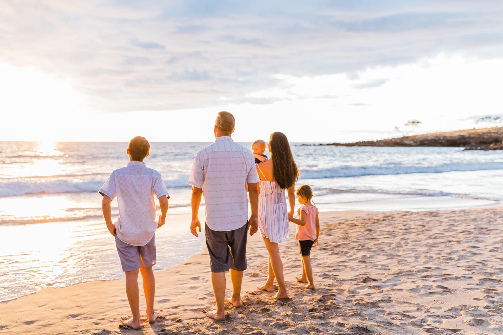 big-island-family-photographer-hapuna-beach-sunset-7503.jpg