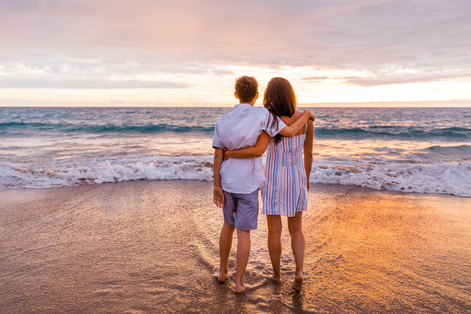 big-island-family-photographer-hapuna-beach-sunset-7791.jpg