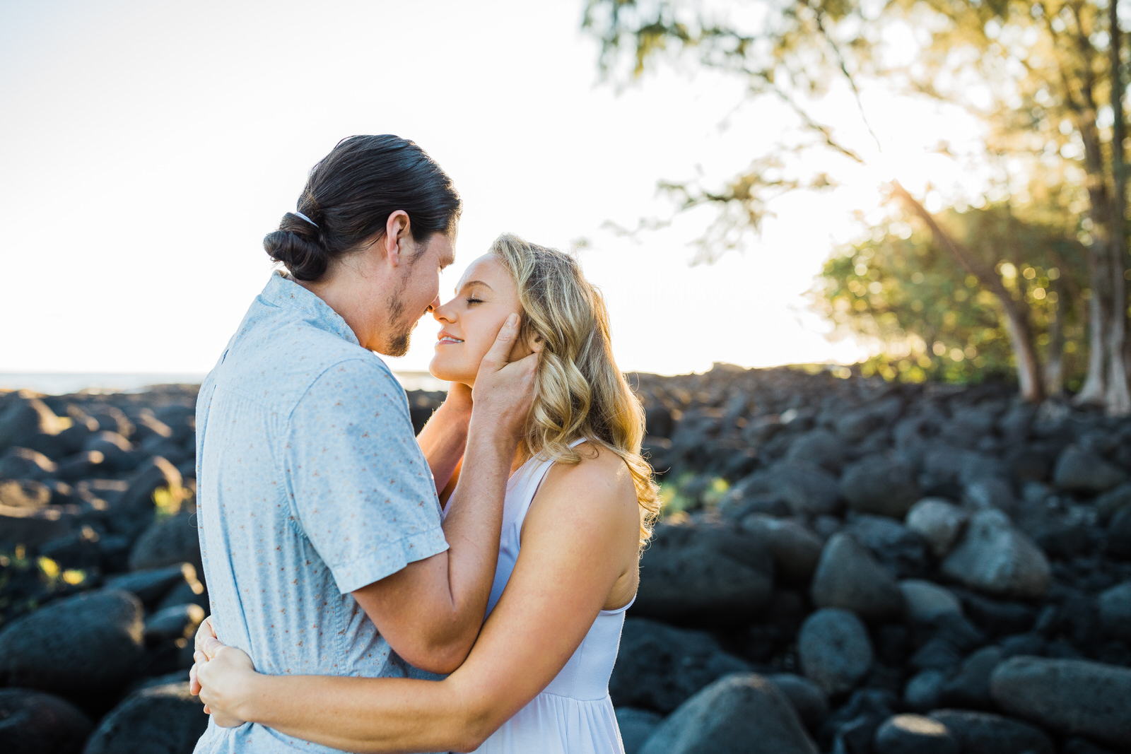 big-island-couple-hilo-photographer-sunrise-elopement-engagement-beach-0597.jpg