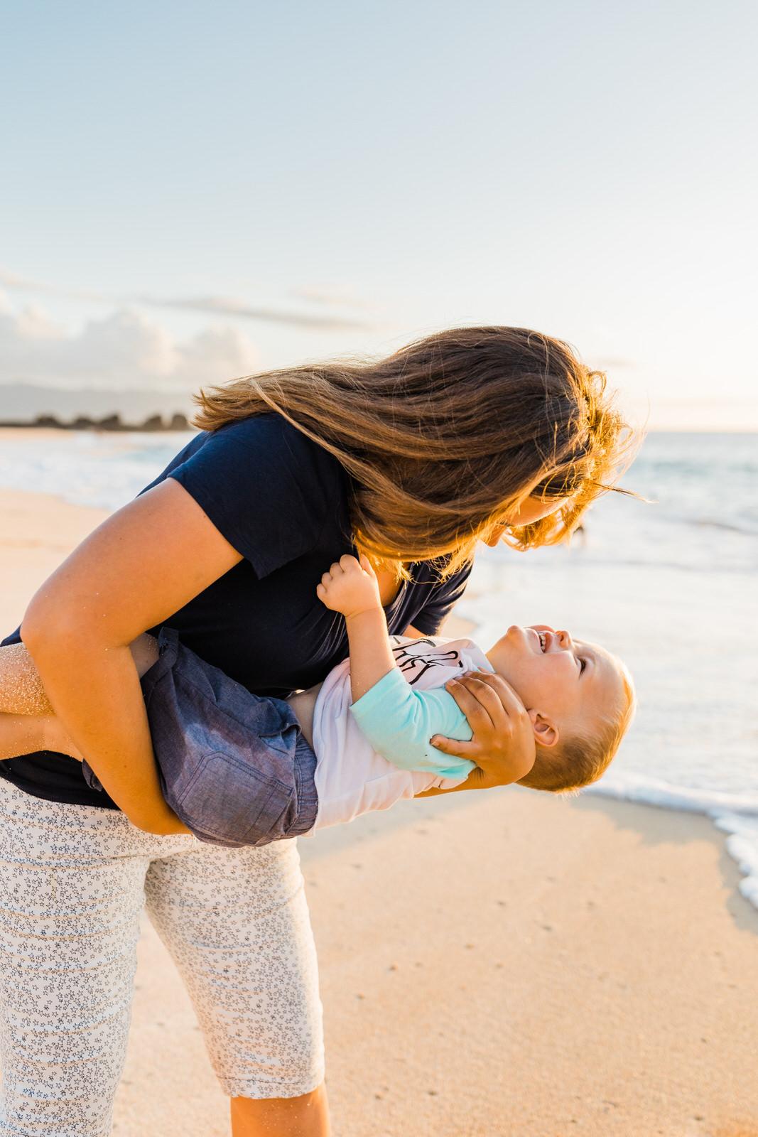 extended-family-big-island-vacation-cousins-grandparents-beach-waikoloa-sunset-hawaii-7078.jpg