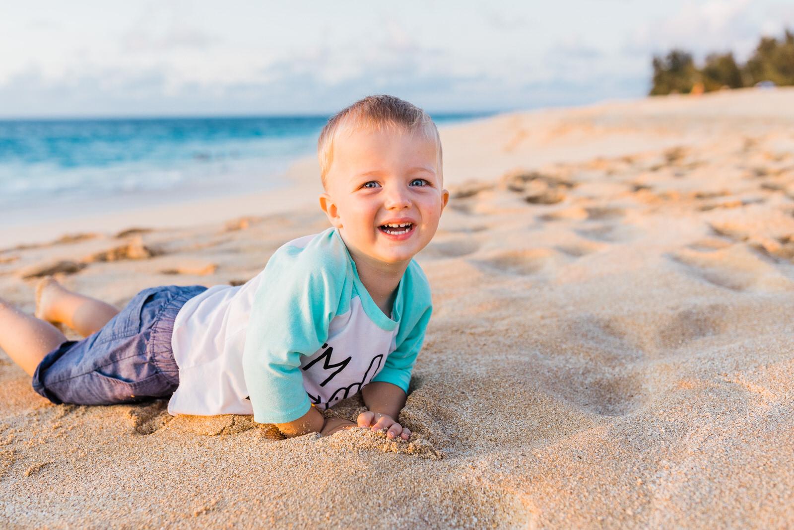 extended-family-big-island-vacation-cousins-grandparents-beach-waikoloa-sunset-hawaii-7234.jpg