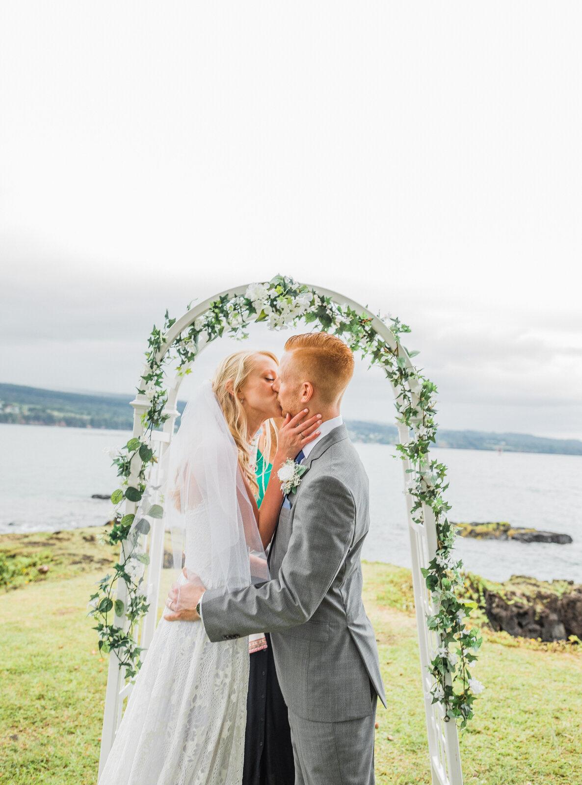 small-wedding-hawaii-destination-hilton-coconut-island-9793-1.jpg