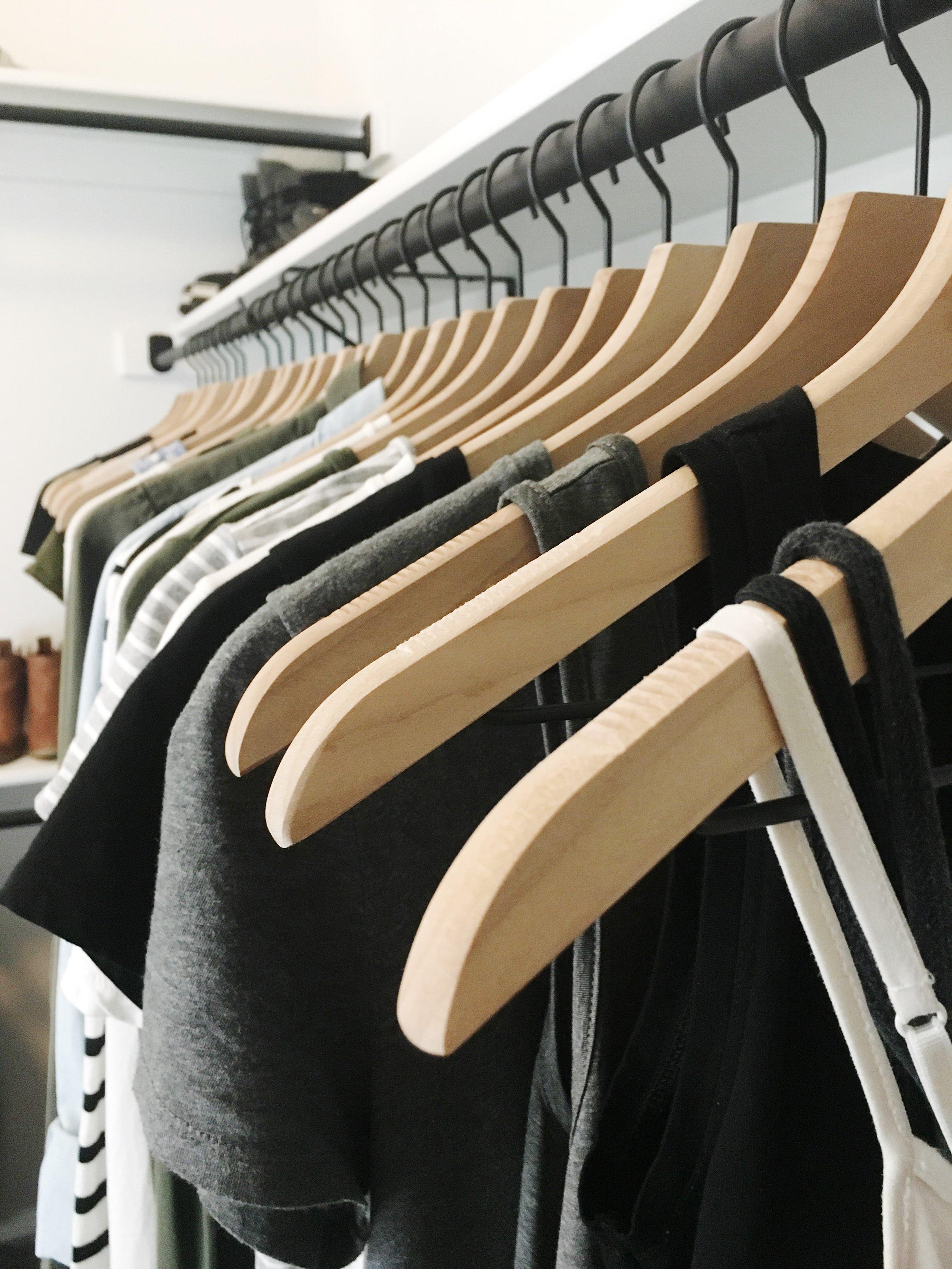 Sustainable closet: capsule wardrobe