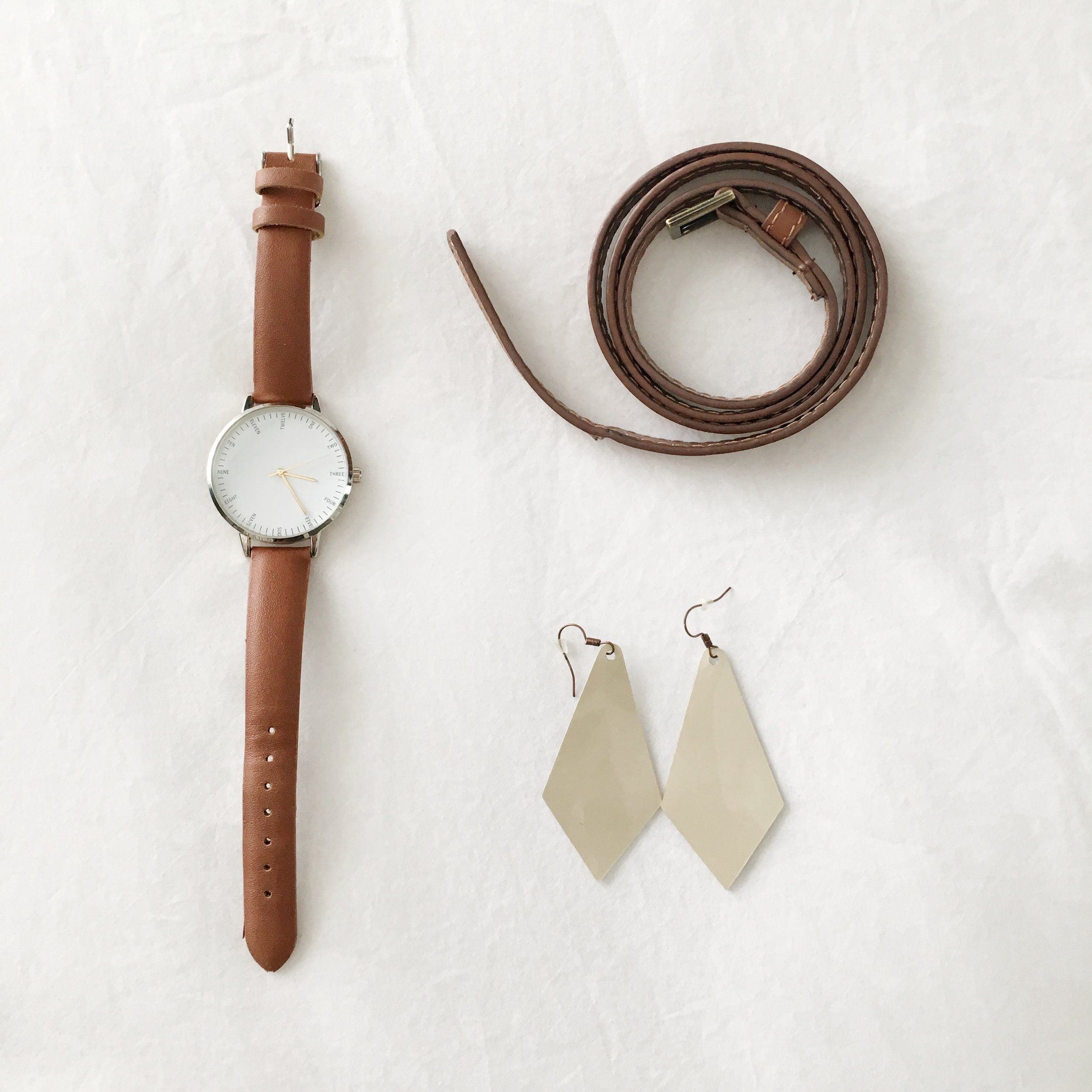 Simplify with few accessories