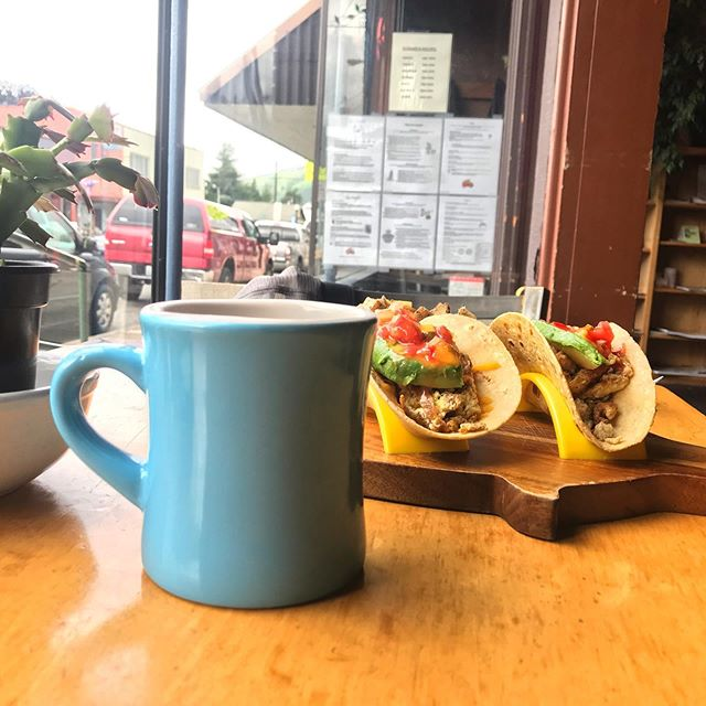 ✨💙 HAPPY SUNDAY 💙✨ . May your coffee be hot and yogi fuel be as glorious as breakfast tacos at @riverscoffee in Morton, WA. . . . . . . . . 🌲UPCOMING PNW YOGA RETREATS🌲 Master Your Practice 8/2-8/4 in Banks, OR Yoga & Creative Writing Retreat 8/23-8/25 in Packwood, WA . . . . . . . #breakfasttacos #sundayfunday #vegetarianeats #veggie #thatsadamnfinecupofcoffee #pnweats #yogifuel #pnwadventures #brunch #mortonwa #discoverwashington #explorewashington #explorewashingtonstate #wa #upperleftusa #pnwyoga #pnw #travel