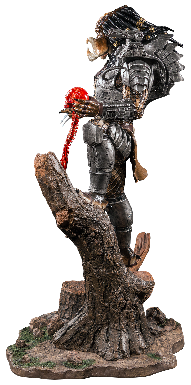 IKO0965-Predator-Statue-4.png