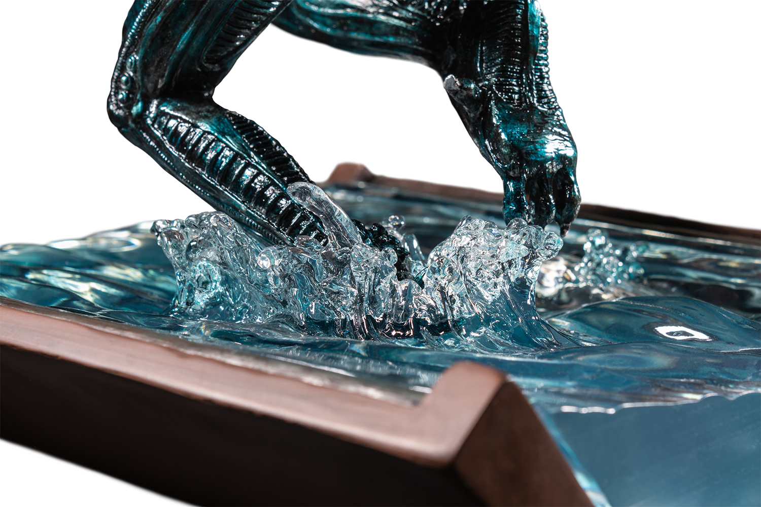 IKO1124-Alien-in-Water-Statue-New-Paint-16-217.png