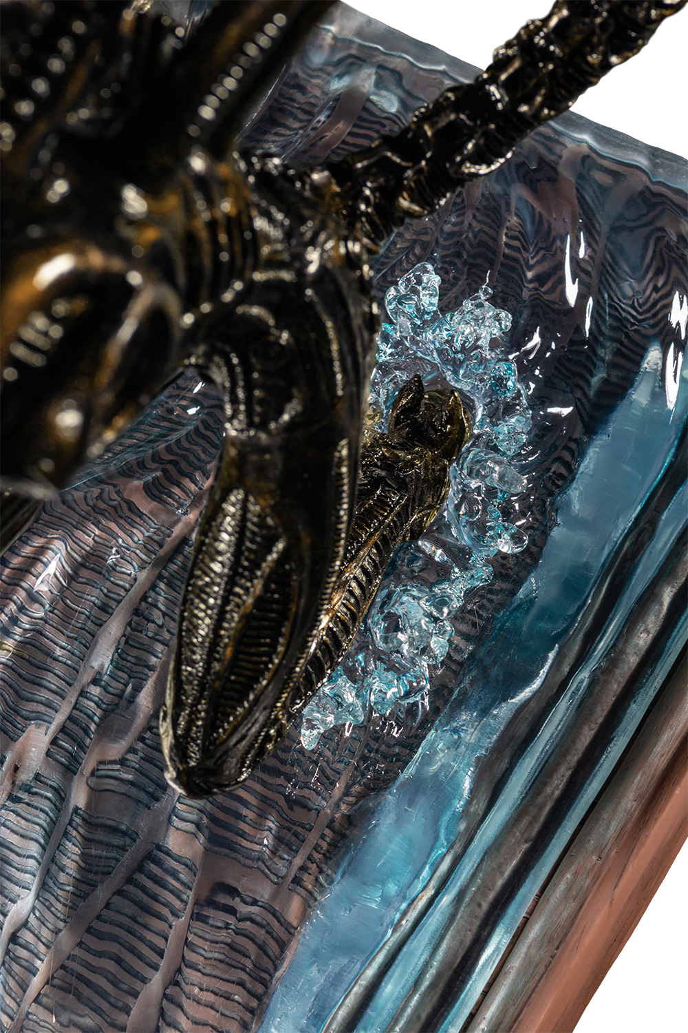 IKO1605-Alien-in-Water-Statue-New-Paint-19-226.png