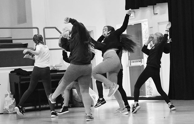 Diolch @ransackdance our youth dancers have had an amazing weekend with you! We've loved seeing them each day get more and more confident and free! What a fantastic project, we're so thrilled to be part of it @celfcymruarts . . Bring on @theatrbrycheiniog in October! #dance #powys #youthdancewales #llandrindodwells #impelo