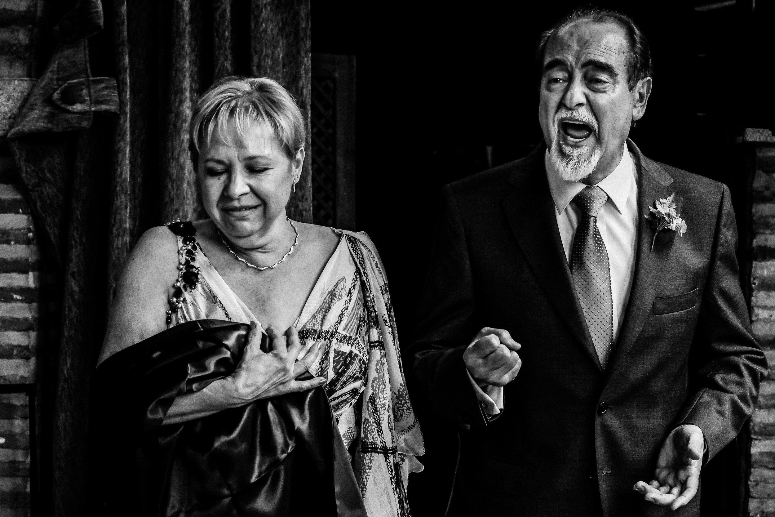 italo spanish destination wedding in toledo