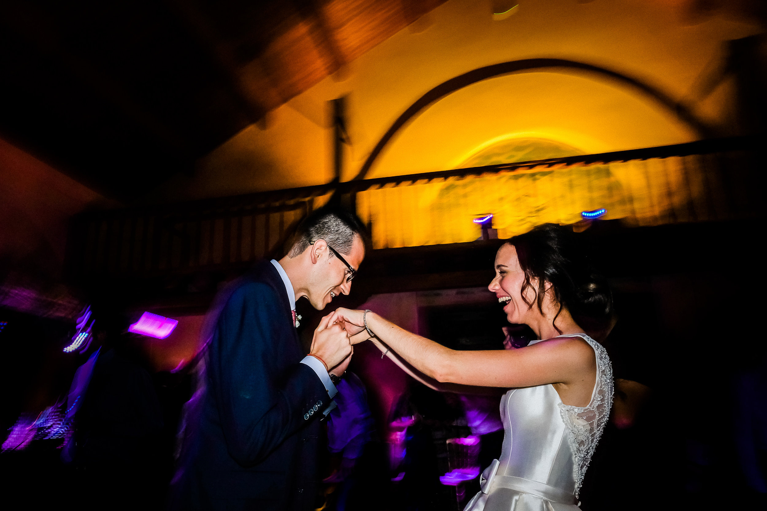 creative and different wedding pictures