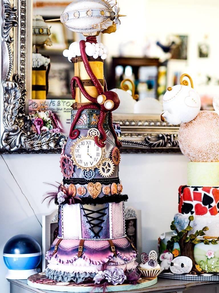 Lindy lou trial cake.jpg