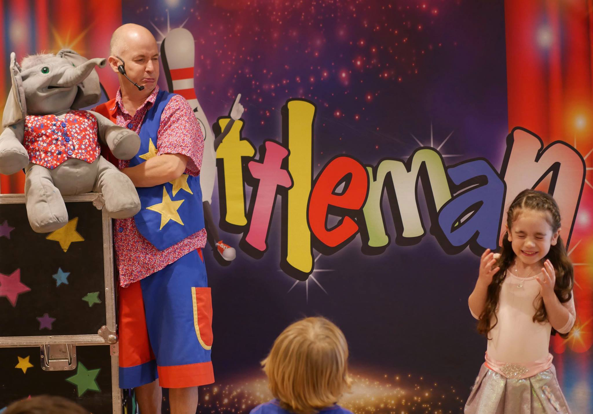 childrens-party-entertainer-essex-26.png