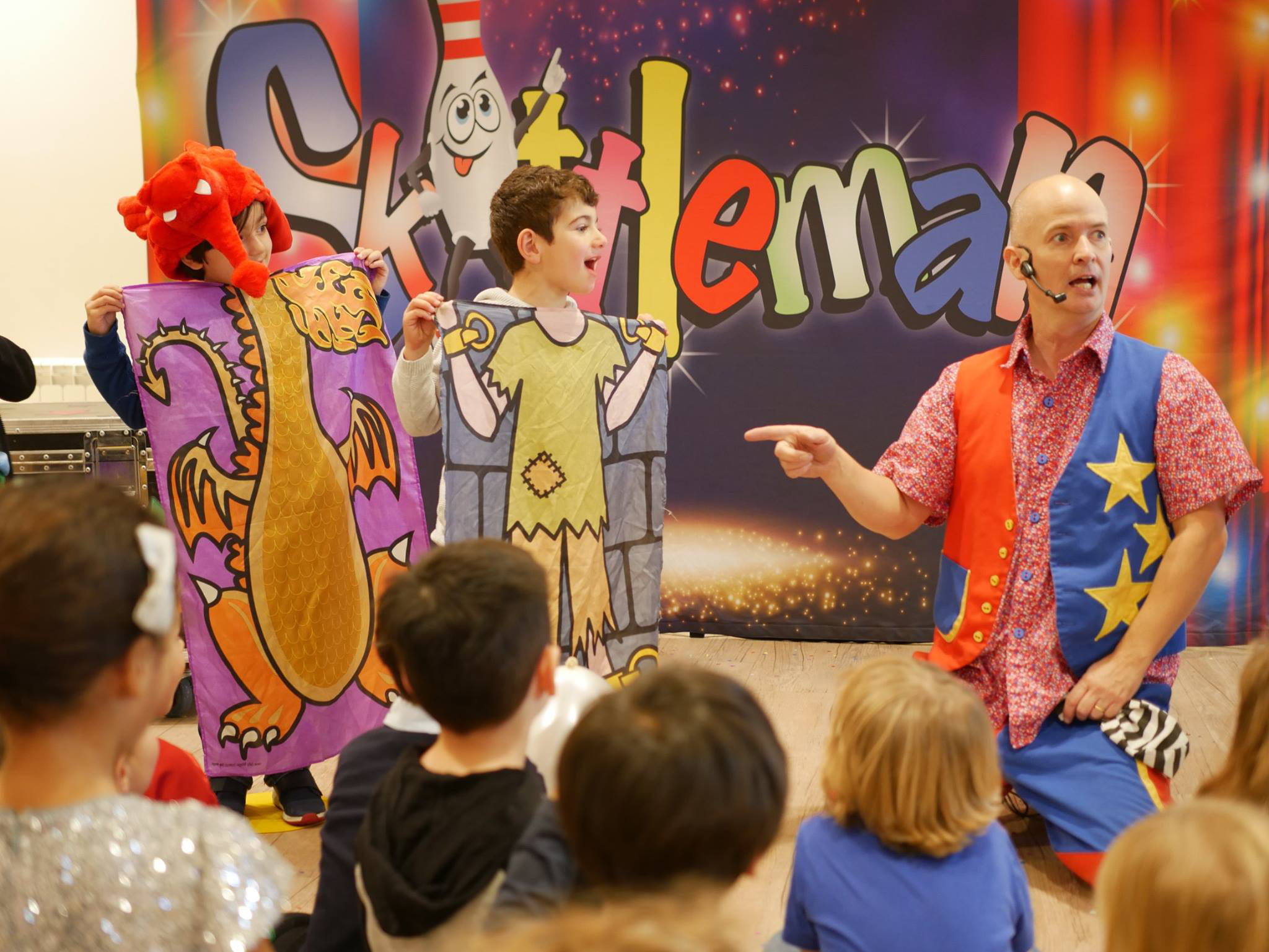 childrens-party-entertainer-essex-28.png