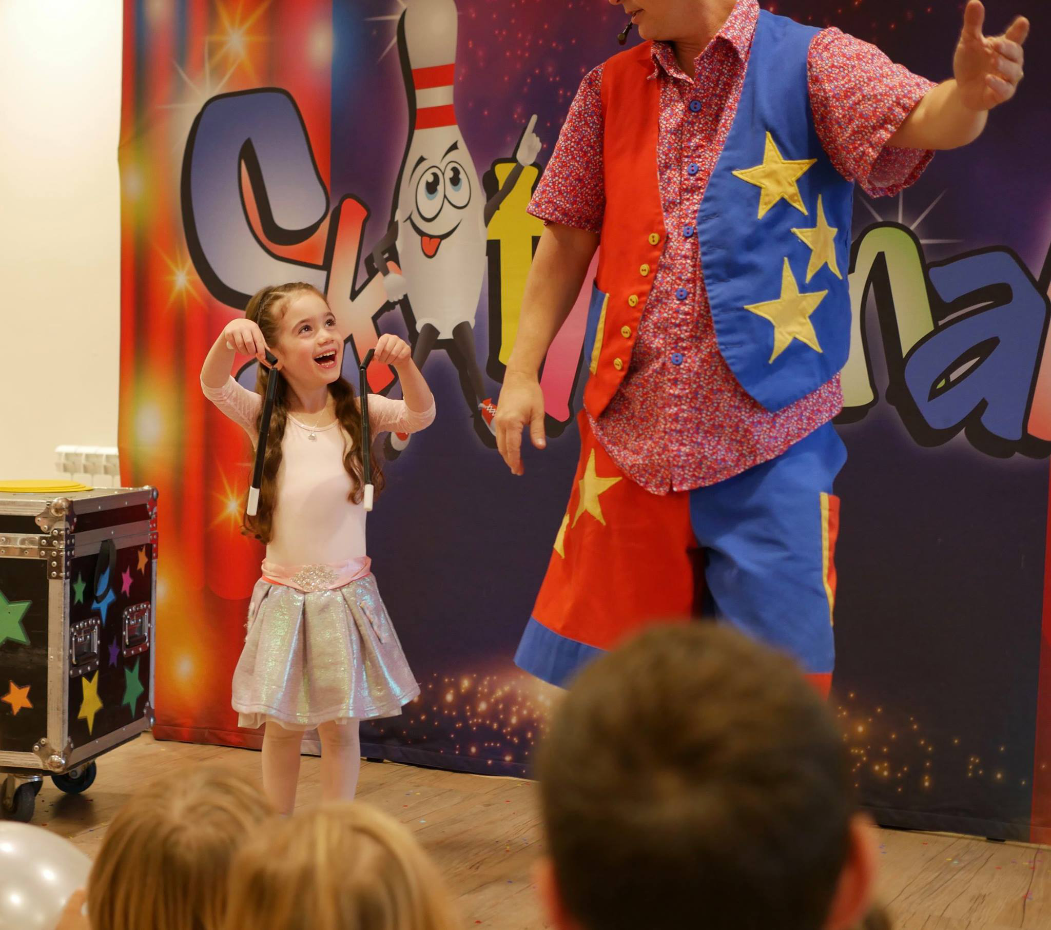 childrens-party-entertainer-essex-30.png