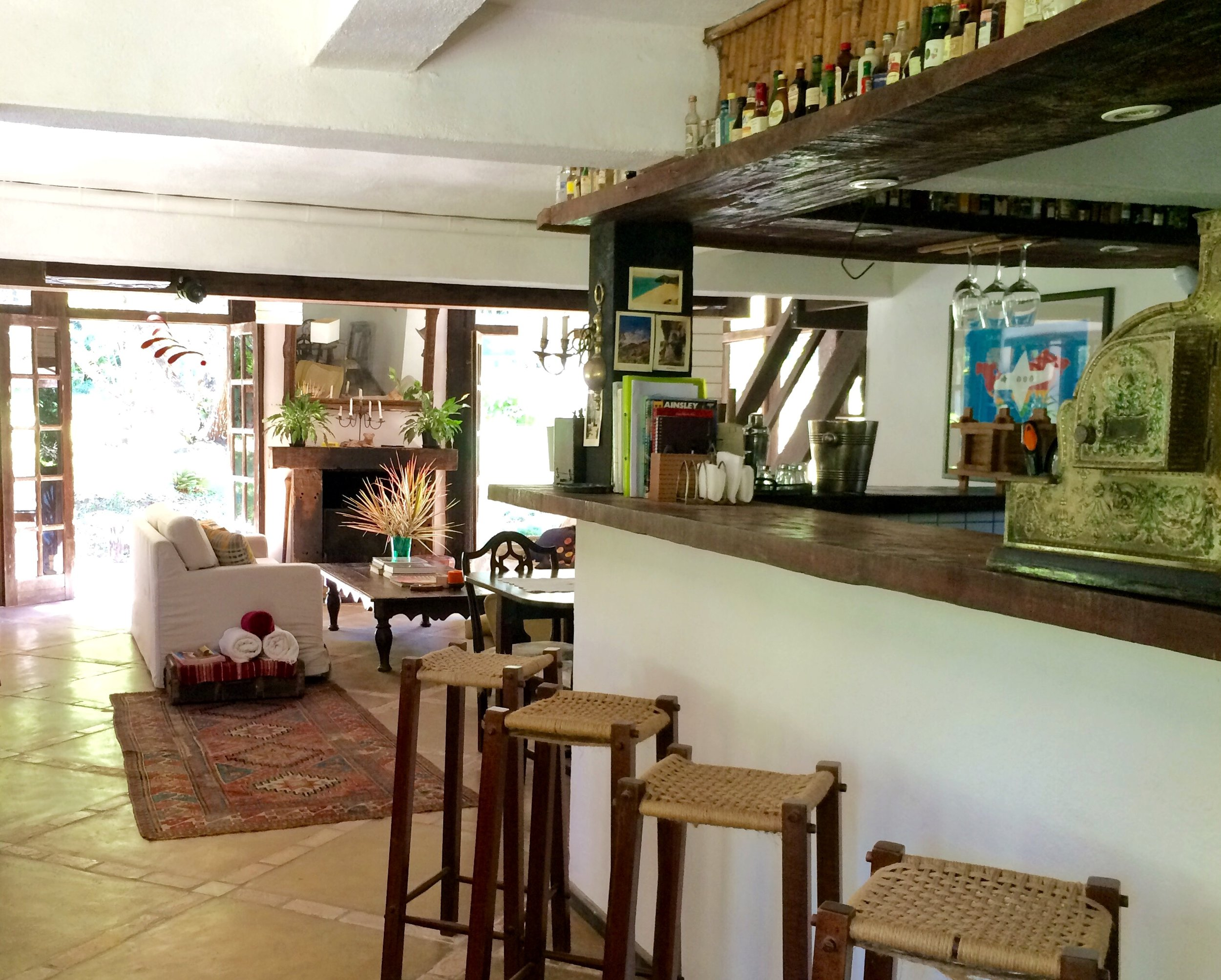 4. Bar.JPG